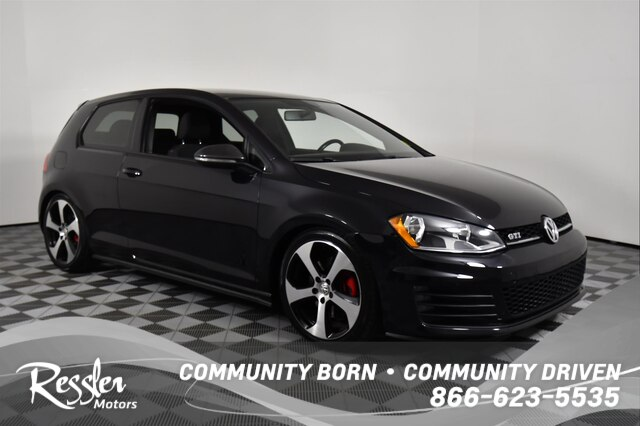 Pre-Owned 2015 Volkswagen Golf GTI 2.0T